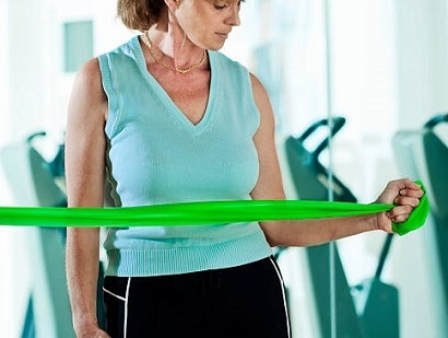 Shoulder Rehab Exercises: How to strengthen your shoulder using theraband resistance bands